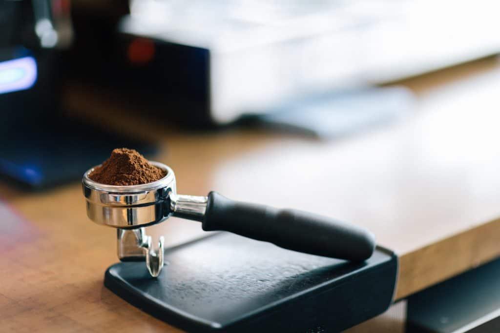 breville cafe roma esp8xl tamp coffee
